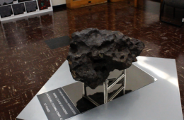 Alan Rubin hosts a tour of UCLA's Meteorite Gallery